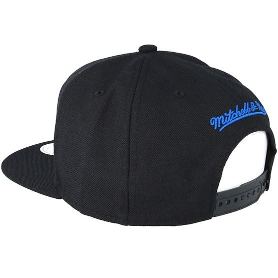 e83ba00d0e8 New York Knicks Wool Solid Snapback - Mitchell   Ness caps -  Hatstoreworld.com