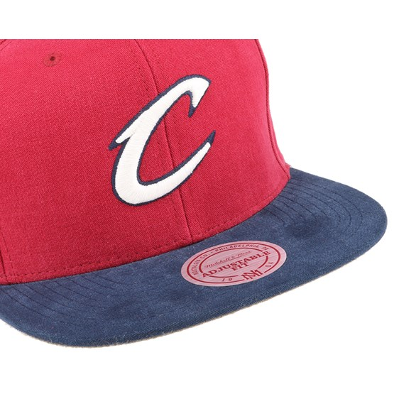 new product aeb93 a33f2 Cleveland Cavaliers Sandy Off White Snapback - Mitchell   Ness caps    Hatstore.co.uk