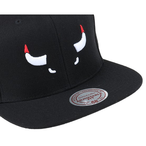 62a21be74 Chicago Bulls Elements Snapback - Mitchell & Ness caps - Hatstoreworld.com