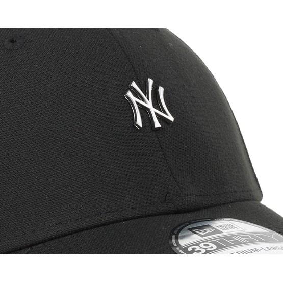 f40d6ff0409 NY Yankees MLB Metal Mini Logo Black 39Thirty Flexfit - New Era caps -  Hatstoreworld.com