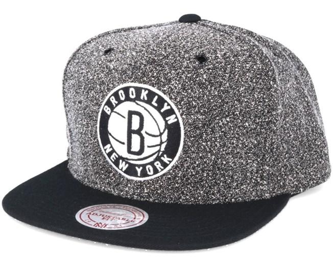 4f29305fe3d4b Brooklyn Nets Static 2 Tone Black Black Snapback - Mitchell   Ness ...