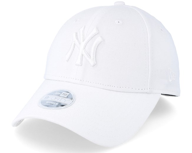3e5156d23895c New York Yankees Women Essential 9Forty White Adjustable - New Era caps -  Hatstoreworld.com