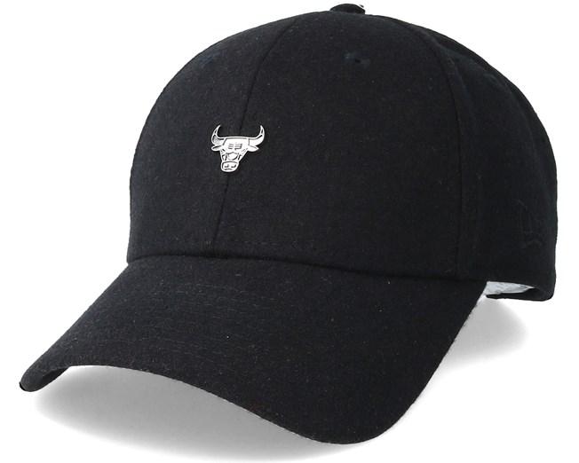 07eaa8ee785 Chicago Bulls Pin 9Forty Black Adjustable - New Era caps - Hatstoreworld.com