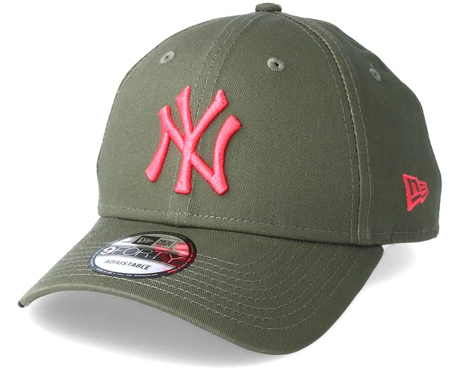 b2328966e New York Yankees League Essential 9Forty Olive/Pink Adjustable - New Era cap  - Hatstore.co.in