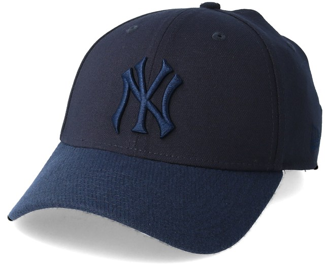 New York Yankees Club Cooper 39Thirty Navy Flexfit - New Era caps -  Hatstoreworld.com 28df514a10a8