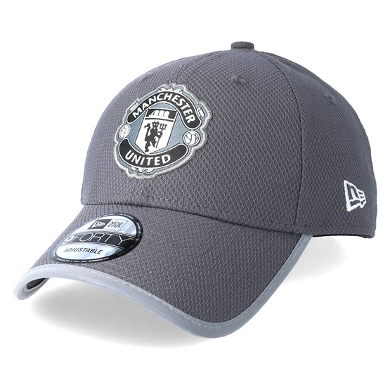 Manchester United Reflex Bind 9Forty Grey Adjustable - New Era cap -  Hatstore.co.in c4fb295bc6