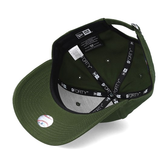 New York Yankees League Essential 9Forty Olive Adjustable - New Era - Start  Cappellino - Hatstore 4f355313a041