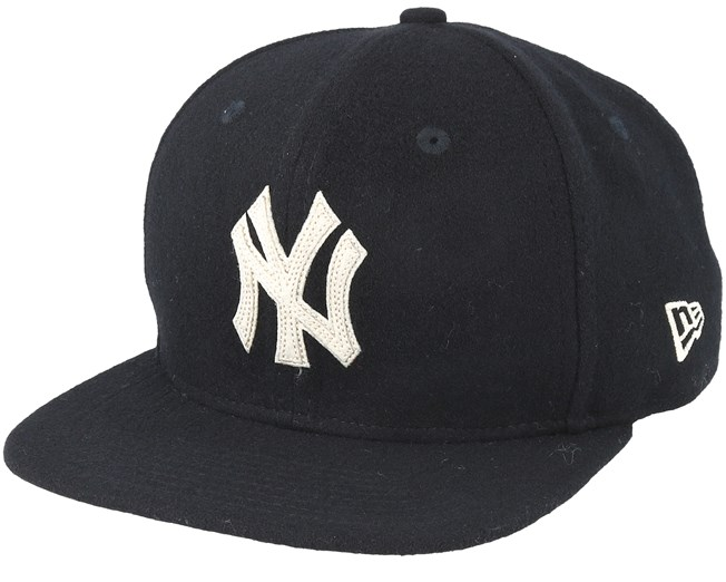 bcd463f4ad8 New York Yankees Melton 9Fifty Black Snapback - New Era caps -  Hatstoreworld.com
