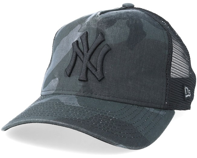 New York Yankees Curved Washed Mesh Black Camo Trucker - New Era - Start  Gorra - Hatstore 89e0b87a78e