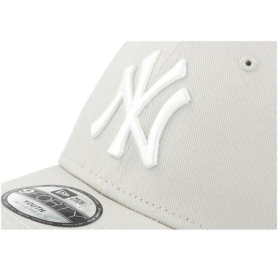 the best attitude 7b755 4b850 Kids New York Yankees League Essential 9Forty Stone White Adjustable - New  Era caps - Hatstoreaustralia.com