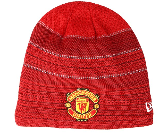 0fe15369a Manchester United Engineered Skull Knit Red Beanie - New Era beanies ...