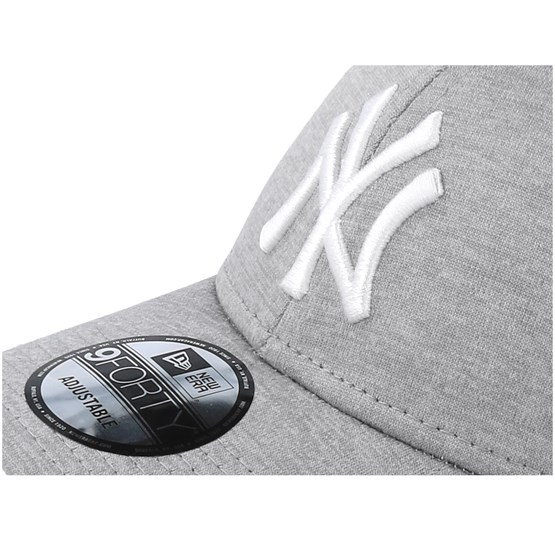new style b923d e0fc4 New York Yankees 9Forty Shadow Tech Grey White Adjustable - New Era caps    Hatstore.co.uk