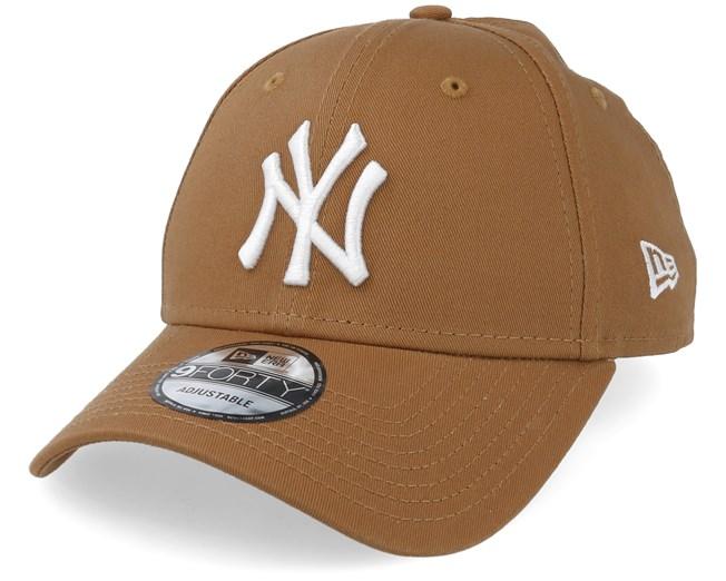 New York Yankees League Essential 9Forty Camel White Adjustable - New Era  caps - Hatstoreaustralia.com 30ae05b3f04