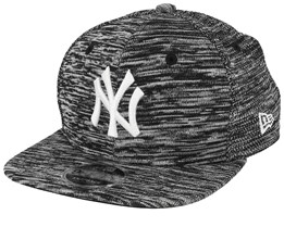 New York Yankees Engineered Fit 9Fifty Black/White Snapback - New Era