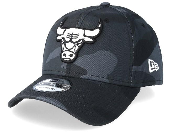 b5c3c8b419c00 Chicago Bulls Camo Essential 9Forty Black Camo Adjustable - New Era cap -  Hatstore.co.in
