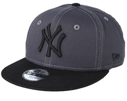 outlet store 707cc eea12 Kids New York Yankees League Essential 9Fifty Dark Grey Black Snapback - New  Era