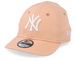 Kids New York Yankees League Essential 9Forty Infant Peach/White Adjustable - New Era