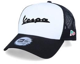 Vespa FA19 E-Frame White/Black Trucker - New Era