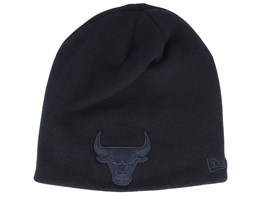 Chicago Bulls Dark Base Skull Black/Black Traditional Beanie - New Era