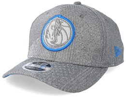 Dallas Mavericks Training Series 9Fifty Stretch-Snap Dark Grey/Blue Snapback - New Era