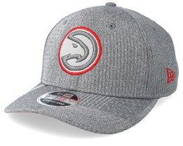 Atlanta Hawks Training Series 9Fifty Stretch-Snap Dark Grey/Red Snapback - New Era