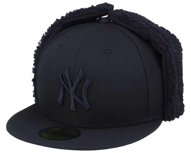 New York Yankees 59Fifty League Essential Dogear Black/Black Ear Flap - New Era
