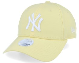 New York Yankees Women League Essential 9Forty Pastel Yellow Adjustable - New Era