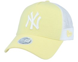 New York Yankees Womens Jersey Essential Light Yellow/White Trucker - New Era