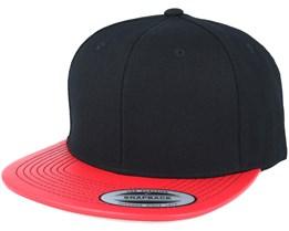 Metallic Visor Black/Red Snapback - Yupoong