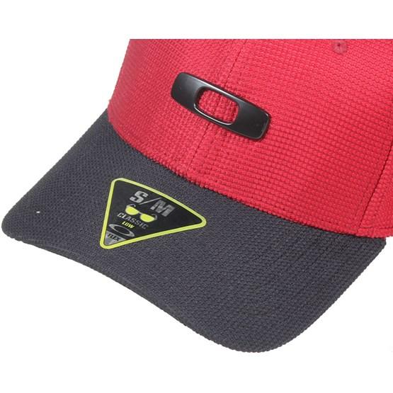 Metal Gas Can 2.0 Jester Red Flexfit - Oakley - Start Boné - Hatstore 2be9aa335b3