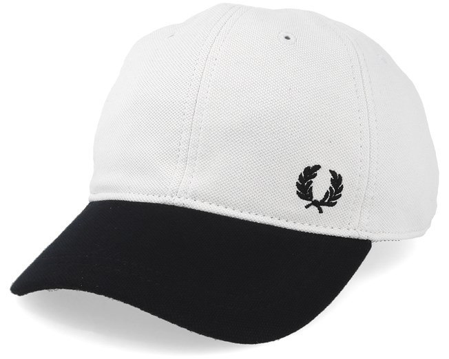 7f238f831f9 Pique Classic White Black Adjustable - Fred Perry cap - Hatstore.co.in