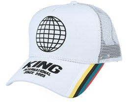 Bethnal Curved Trucker White - King Apparel