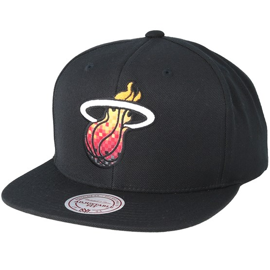 a2e15beb4bc Miami Heat Easy Three Digital XL Black Snapback - Mitchell   Ness caps -  Hatstoreworld.com