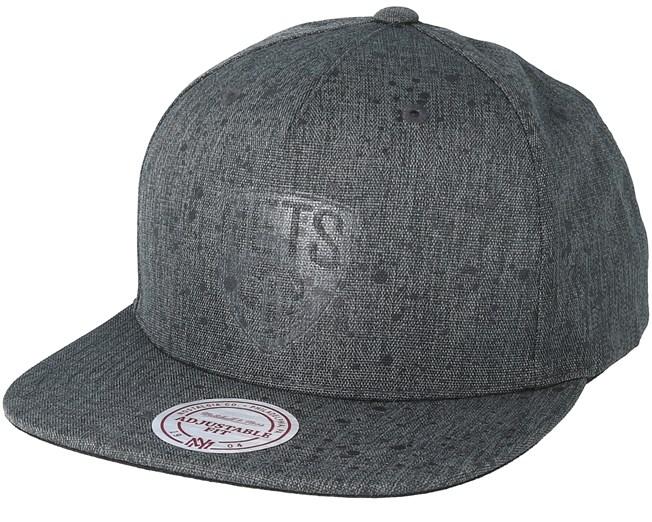 detailed look 2c34f 62a4e Brooklyn Nets Splatter Charcoal Black Snapback - Mitchell   Ness cap -  Hatstore.co.in