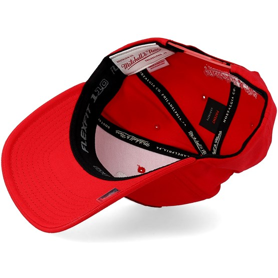 watch 25205 59d05 Chicago Bulls Metallic Logo Red 110 Adjustable - Mitchell   Ness cap -  Hatstore.co.in
