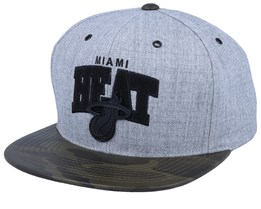 Miami Heat Lux Light Heather Grey/Camo Sanpback - Mitchell & Ness