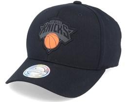 New York Knicks Siege Black 110 Adjustable - Mitchell & Ness