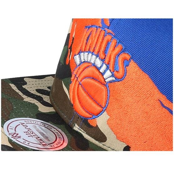 894859239 New York Knicks Hwc Paintbrush Camo Snapback - Mitchell & Ness