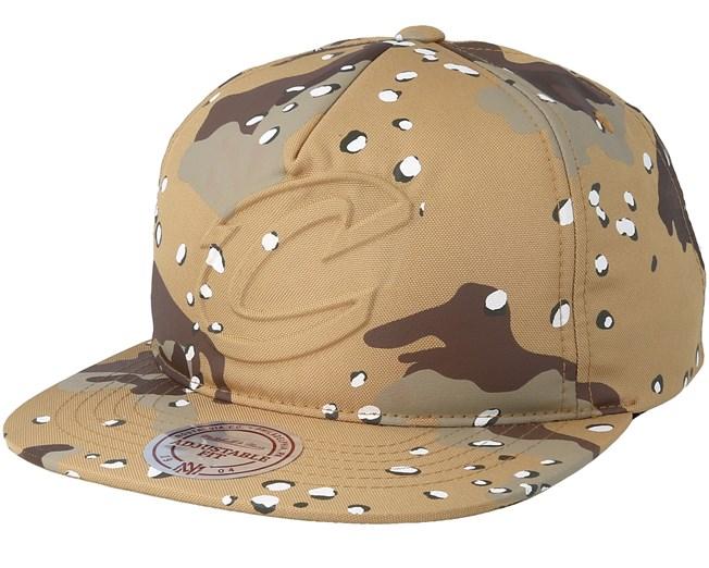 7f4e5e614ab33 Clevelands Cavaliers Emerge Sand Camo Snapback - Mitchell   Ness caps -  Hatstoreworld.com