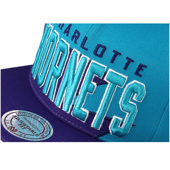 6f37b650b58 Charlotte Hornets Shark Tooth Teal Purple Snapback - Mitchell   Ness caps -  Hatstoreworld.com