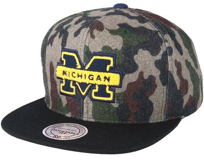 Michigan Wolverines Flanell Camo Camo Black Snapback - Mitchell   Ness caps  - Hatstoreworld.com 8cd2277da5f0