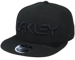 B1b Logo Blackout Snapback - Oakley