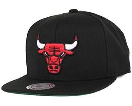 Chicago Bulls Wool Solid Black Snapback - Mitchell & Ness