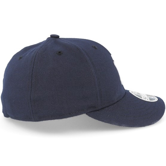 d24fc71ce77cc New York Yankees Low Profile 59Fifty Authentic Fitted - New Era caps -  Hatstoreworld.com