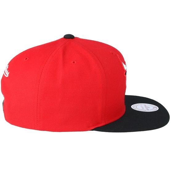 Chicago Bulls XL Logo 2 Tone Red Black Snapback - Mitchell   Ness caps  ae89ed6ee556