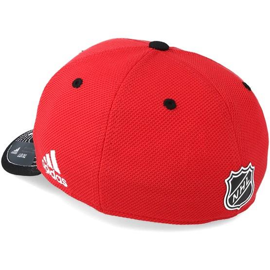 2fbad0808 Chicago Blackhawks Locker Room Structured Red Flexfit - Adidas caps -  Hatstoreworld.com