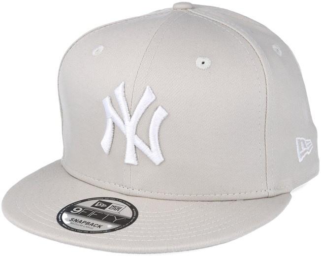 New Era 9FIFTY MLB New York Yankees League Essential Adjustable Snapback Hat