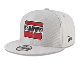 Pre-Order - Delivery in March - Tampa Bay Buccaneers 9Fifty Super Bowl LV Parade Grey Snapback - New Era