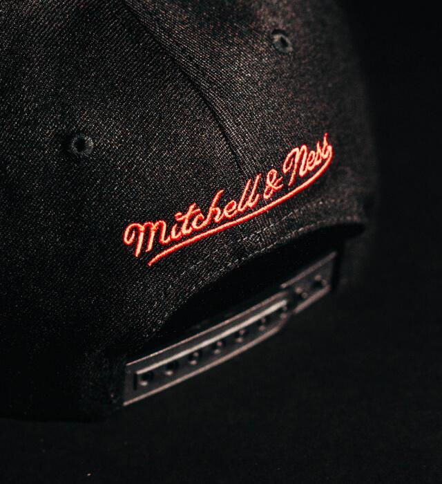 Hatstore Exclusive x Mitchell & Ness Bulls 96 Champions